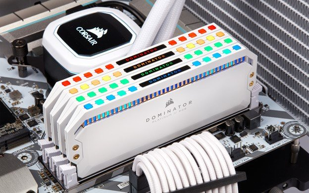 Corsair Dominator Platinum RGB 32GB (2 X 16GB) DDR4 DRAM 3200mhz C16 Memory Kit in White.
