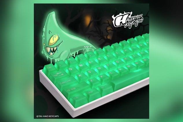 Tai-Hao's 'haunted' green keycaps.