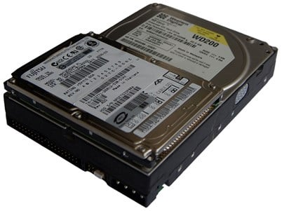 Comparison in Size Between 2.5 Inch and 3.5 Inch Disk Drives